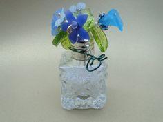 Salt & pepper shaker bead flower vases by SplatCatDesigns on Etsy, $10.00