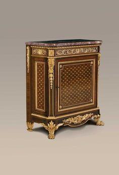 Louis XVI style Commode à Vantaux