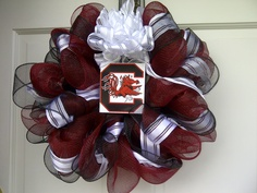 It's not perfect, but it's my first USC wreath. Not too shabby, I guess