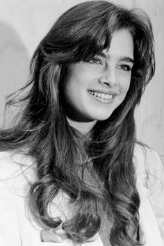 30 Beautiful Photos of Brooke Shields as a Teenager in the ~ vintage everyday Brooke Shields Jovem, Brooke Shields Young, Skin And Bones, Thick Eyebrows, Beauty Routines, Hair Inspo, Cute Hairstyles, Hair Goals, New Hair