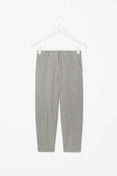 COS is a contemporary fashion brand offering reinvented classics and wardrobe essentials made to last beyond the season, inspired by art and design. Cos Fashion, Fashion Face, Fashion Brand, Cos Trousers, Wide Leg Trousers, Pants, Minimal Chic, Contemporary Fashion, Winter Wear