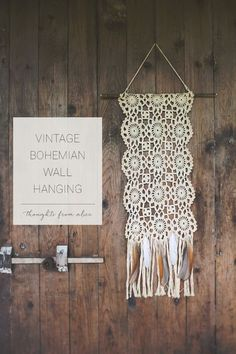 Easy to make Vintage Bohemian Wall Hanging with a crocheted doily, feathers and a branch! Vintage Bohemian, Bohemian Decor, Bohemian Style, Doily Art, Crochet Projects, Diy Projects, Doilies Crafts, Boho Wall Hanging, Vintage Sheets