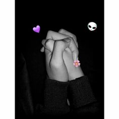 Hand Pictures, Cute Couple Pictures, Girly Pictures, Girl Photo Poses, Girl Photography Poses, Tumblr Photography, Relationship Goals Tumblr, Boyfriend Goals Relationships, Instagram Storie