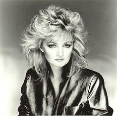 Bonnie Tyler Sings Total Eclipse Of The Dark