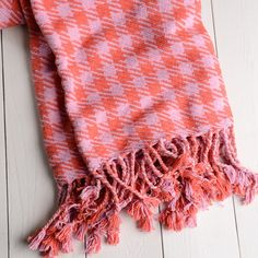Twill Houndstooth Cotton Throw Blanket in Pink and Rose.