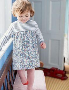 Jerseykleid mit Mustermix Boden