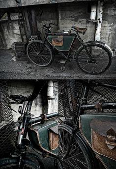old military bike. I like the custom bags too