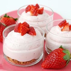 Strawberry Cheesecake Mousse - Replace bottom with a #glutenfree crumbled cookie or other alternative :D