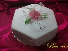 Floral Cake, Cake Toppers, Wedding Cakes, Desserts, Food, Wedding Gown Cakes, Tailgate Desserts, Deserts, Essen