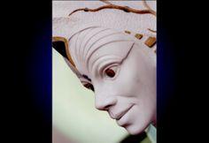 ZUMAS. ( particolare volto). mia opera realizzata in marmo bianco di carrara intarsiato con pietre colorate. altezza circa 50 cm.