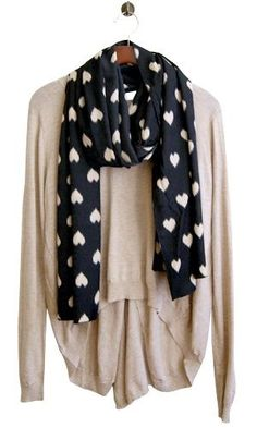 Love the sweater and scarf <3 paired with dark jeans and dark brown combat boots and you have my perfect outfit for a lazy day