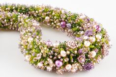 English cottage | biser.info - Бисер и бисероплетение Seed Bead Projects, Beading Projects, Beading Tutorials, Seed Bead Jewelry, Beaded Jewelry, Beaded Bracelets, Jewellery, Bead Crafts, Jewelry Crafts