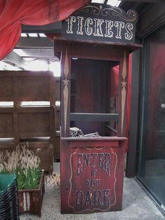 Ticket booth for Roger's Gardens Halloween carnival 2015 … Haunted Carnival, Creepy Carnival, Carnival Themes, Circus Theme, Carnival 2015, Creepy Circus, Halloween Prop, Holidays Halloween, Halloween Themes