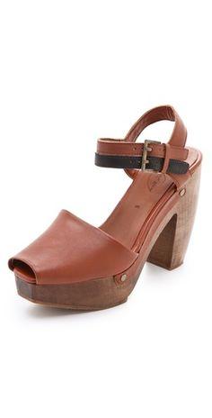 ensemble sandals