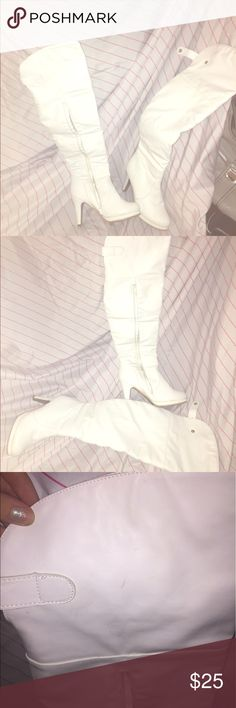 👢Ladies white over-the-knee boots size 7👢 These boots are absolutely gorgeous! However, they are all white and do have a few scuffs here and there from my closet. Only worn once to a all white affair. They are so comfortable considering the heel! Make me an offer 😘 Shoes Over the Knee Boots