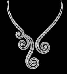 Necklace of white gold and brilliants  photo: Nils Hermann from High Jewelry by Cartier © Flammarion/Cartier, 2009