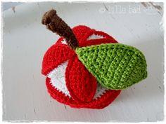 Greifball - Amish Puzzle-Ball - Red Apple von lille båd auf DaWanda.com