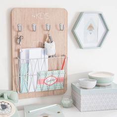 Tableau à clés + courrier en bois 30 x 45 cm GRAPHIC | Maisons du Monde