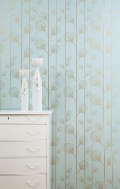 Ribbed Wallpaper (Turquoise/Gold) - modern - wallpaper - ferm LIVING great for a hall bath! Gold Modern Wallpaper, Ferm Living Wallpaper, Turquoise Wallpaper, Contemporary Wallpaper, Fabric Wallpaper, Beautiful Wallpaper, Bedroom Wallpaper, Mint Wallpaper, Wallpaper Samples