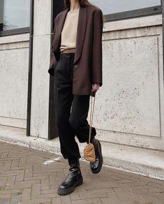 Cozy Fashion, Minimal Fashion, Fashion Pants, Fashion Outfits, Fasion, Aesthetic Fashion, Aesthetic Clothes, Aesthetic Dark, Chelsea