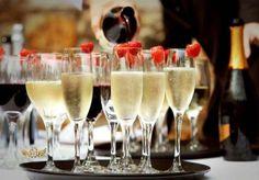 celebration-champagne-drink-drinks-luxurious-Favim_com-253384