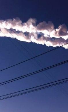 Meteor blasts across Russian sky, hundreds injured