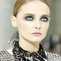 Chanel Makeup Collection by Peter Philips for Spring – Summer 2011 + Makeup Looks – Sneak Peek – Beauty Trends and Latest Makeup Collections | Chic Profile