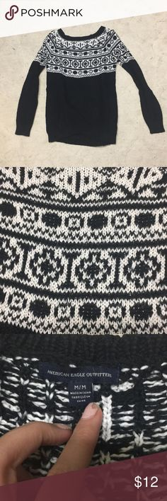 AEO Patterned sweater Patterned winter/holiday sweater. Worn only a few times. Very thick and warm. Perfect condition American Eagle Outfitters Sweaters Crew & Scoop Necks