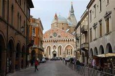 This photo from Padua, Veneto is titled 'Basilica of Saint Anthony, Padova,Veneto'. Great Places, Places Ive Been, Beautiful Places, Saint Anthony Of Padua, Spain And Portugal, Padua Italy, Places To Travel, Taj Mahal, Tourism