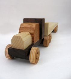Kids Handmade Wooden Eighteen-wheeler Semi Rig With Flatbed Trailer