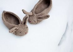 Las Teje y Maneje: KNITTED BUNNY SLIPPERS :)