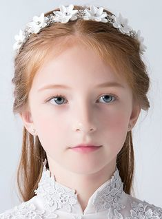 Item Type:Hairwear Shape\pattern:Round is_customized:No Gender:Girl Material:Crystal Style:Trendy Beautiful Blonde Girl, Beautiful Little Girls, Cute Young Girl, Cute Girls, Flowers In Hair, White Flowers, Young Girl Fashion, Fashion Background, Frocks For Girls
