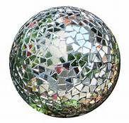 Mosaic Bowling Ball by MtnLady Mosaic Bowling Ball, Bowling Ball Art, Mosaic Crafts, Mosaic Projects, Art Projects, Mosaic Ideas, Bird Bath Garden, Mosaic Garden, Garden Fun