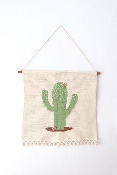 Crochet cactus wall hanging - Crochet Home decor by Thoresby Cottage Crochet Wall Art, Crochet Wall Hangings, Crochet Home Decor, Tapestry Crochet, Arm Knitting, Knitting Patterns, Crochet Patterns, Wal Art, Crochet Cactus