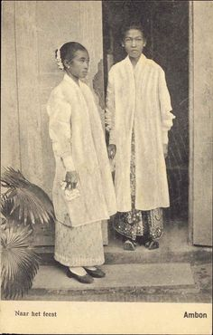 86 Amazing old photos of Indonesian people Antique Photos, Old Photos, Vintage Photos, Maluku Islands, Indonesian Women, Dutch East Indies, Asian History, British History, Javanese