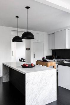 46 Luxurious Black White Kitchen Design Ideas - About-Ruth Small White Kitchens, Black Kitchens, Luxury Kitchens, Cool Kitchens, Best Kitchen Design, Interior Design Kitchen, Scandinavian Kitchen Renovation, Rustic Kitchen, Kitchen Decor