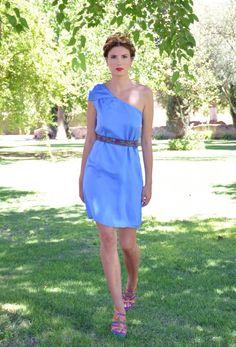 Vestido en tono azul #Modainvitadas #Modaparamujer #Boda