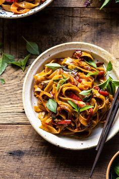 overhead close up photo of Better Than Takeout Thai Drunken Noodles Asian Recipes, Healthy Recipes, Ethnic Recipes, Healthy Food, Thai Food Recipes, Most Popular Recipes, Favorite Recipes, Thai Drunken Noodles, Szechuan Noodles