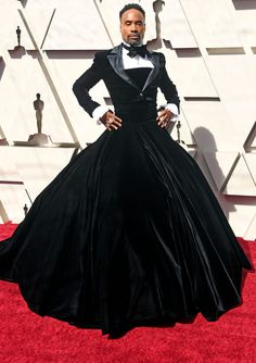 Billy Porter at the 2019 Oscars wearing Christian Siriano Curvy Fashion, High Fashion, Fashion Looks, Hollywood Fashion, Hollywood Actresses, Met Gala Outfits, Gala Dresses, Sheath Dresses, Oscar Fashion