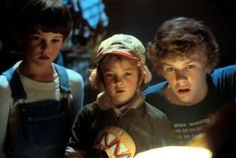 Henry Thomas, Drew Barrymore and Robert MacNaughton in E.T. the Extra-Terrestrial (1982)