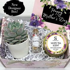 Mothers Day Gifts Easy, Mothers Day Baskets, Mother Day Gifts, Diy Mother's Day Gift Basket, Goodie Basket, Birthday Basket, Mom Birthday Gift, Mothers Day Advertising, Mother's Day Gift Sets