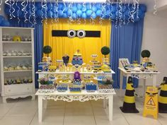 i like the curtain idea. even ninja turtles. Minions Birthday Theme, Boy Birthday Parties, Birthday Party Decorations, Birthday Celebration, Party Themes, Birthday Ideas, Party Ideas, Despicable Me Party, Minion Party