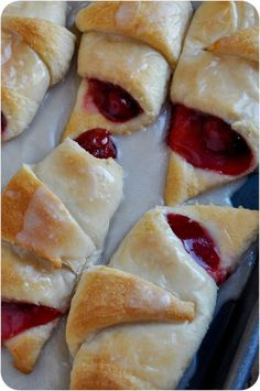 Easy Cherry Turnovers - these sweet little breakfast pastries are not only easy to make but they're the perfect blend of buttery pastry dough, tart cherries and sweet, creamy glaze! Cherry Desserts, Brownie Desserts, Just Desserts, Delicious Desserts, Dessert Recipes, Yummy Food, Cherry Pastry Recipes, Cherry Pie Filling Desserts, Quick Easy Desserts