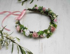 Mauve pink and white flower crown - Dusty pink crown - Garden Style flower crown White Flower Crown, Pink Crown, Flower Girl Crown, Flower Crowns, Flowers In Hair, Dried Flowers, Purple Flowers, White Flowers, Flower Headpiece