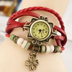 Nueva moda caliente colorida e018426 mujeres relojes Clover Weave Wrap pulsera de cuero remache pulsera reloj de punto a mano