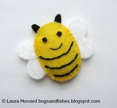 Bugs and Fishes by Lupin: How To: Make a Mini Felt Bumblebee Add a tie and this little guy would make a great bag tag