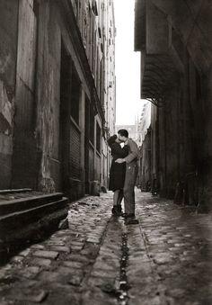 Jean-Philippe Charbonnier (1921 - 2004) - Les Amoureux, Paris 1946. Veja também: http://semioticas1.blogspot.com.br/2012/01/homens-ilustres.html