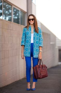 Adorable ankle pants (not skinnies!) are a great way to introduce colored pants into your wardrobe.
