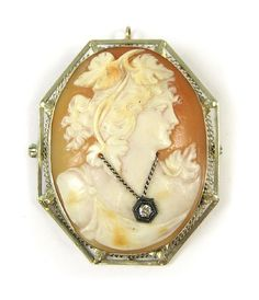 VICTORIAN CAMEO PENDANT/BROOCH, framed in 14k whit Lot 804
