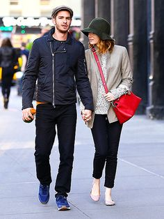 Star Tracks: Monday, May 19, 2014 | HAT TIP | Talk about an adorable couple! Andrew Garfield holds on tight to girlfriend Emma Stone as they take a stroll through New York City Sunday.